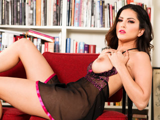 Angelic Sunny In Erotic Baby-doll